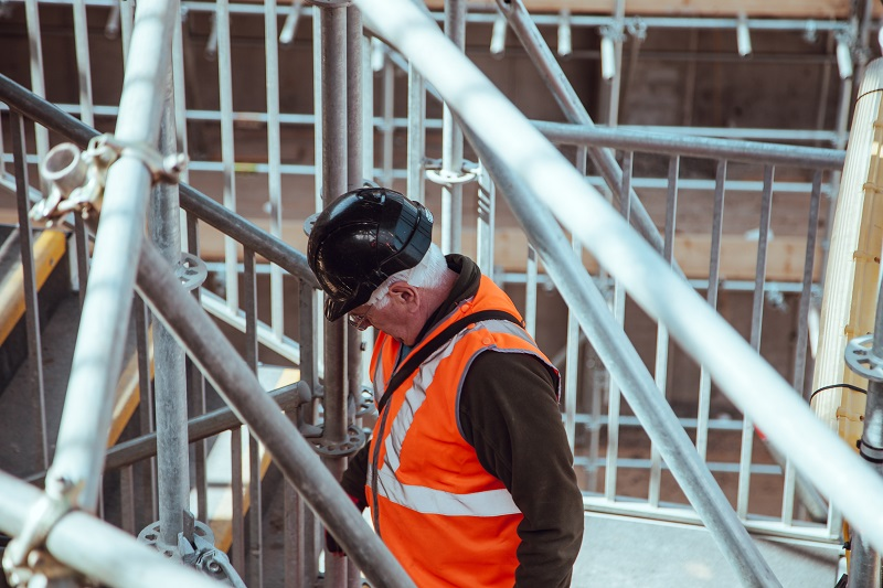 UK construction industry suffers worst month in a decade